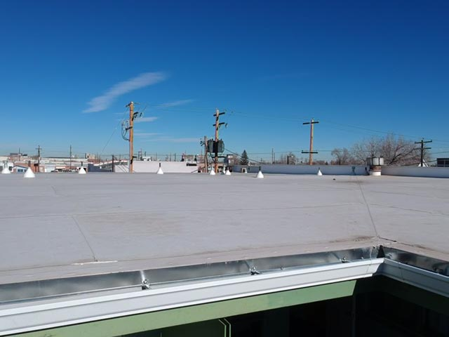 commercial roof with tpo membrane on Greeley Inn