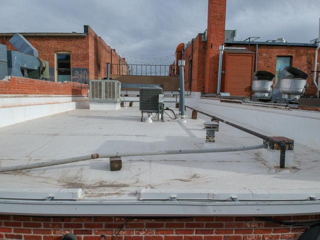 flat roof of LuLu Asian Bistro view 3